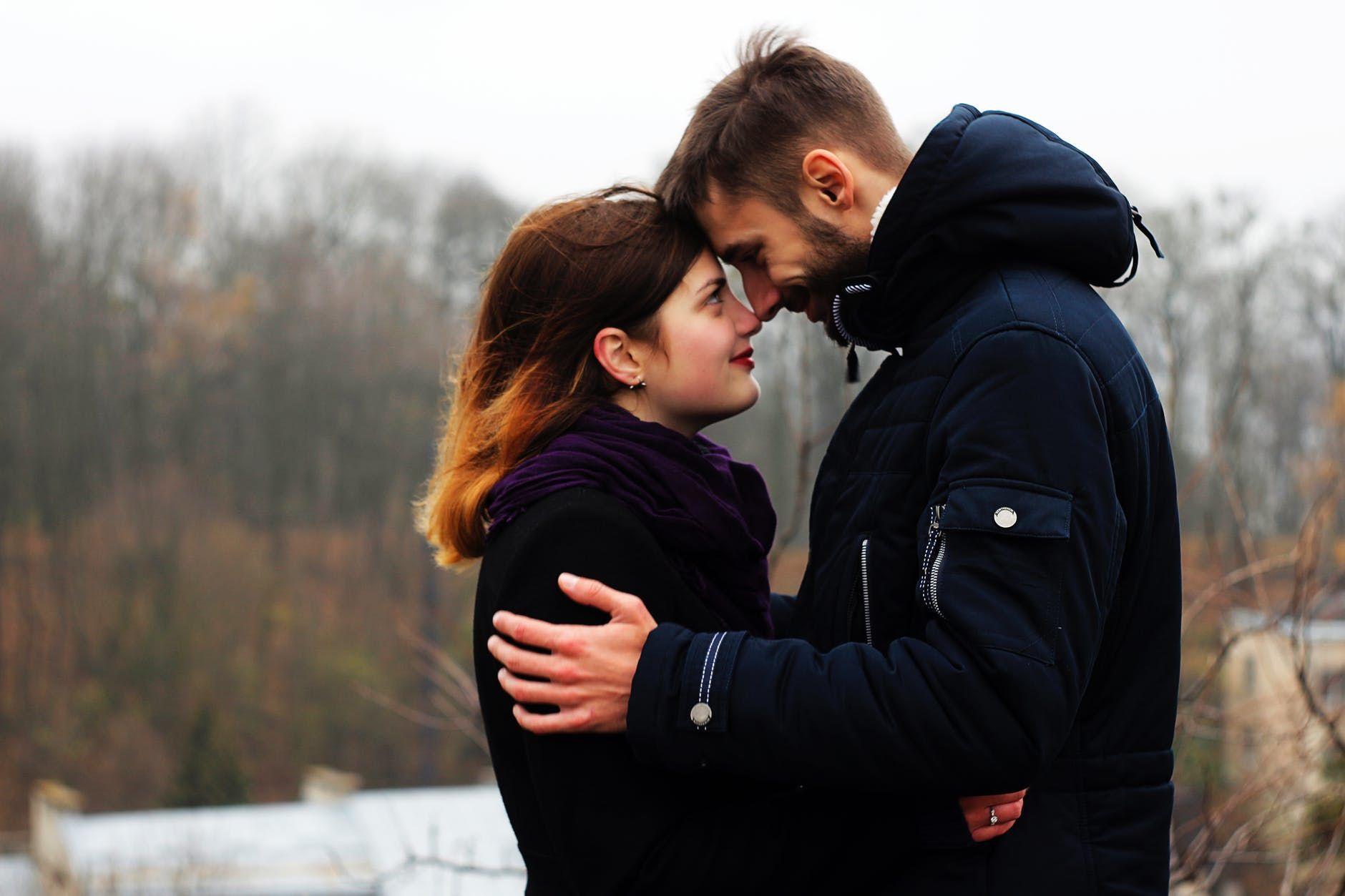 Ramalan Cinta Shio Ayam Tahun 2020, Perlu Waktu Temukan Kekasih
