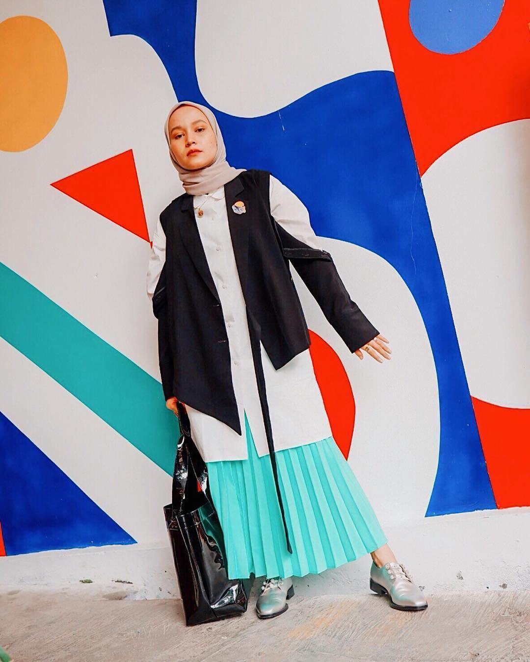 Tampil Lebih Ekstra, Simak 5 OOTD Hijab A la Selebgram Ini Yuk