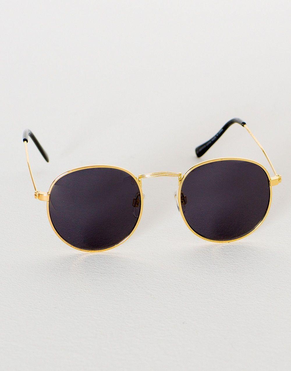 5 Kacamata Keren untuk Kamu Pakai Sehari-hari