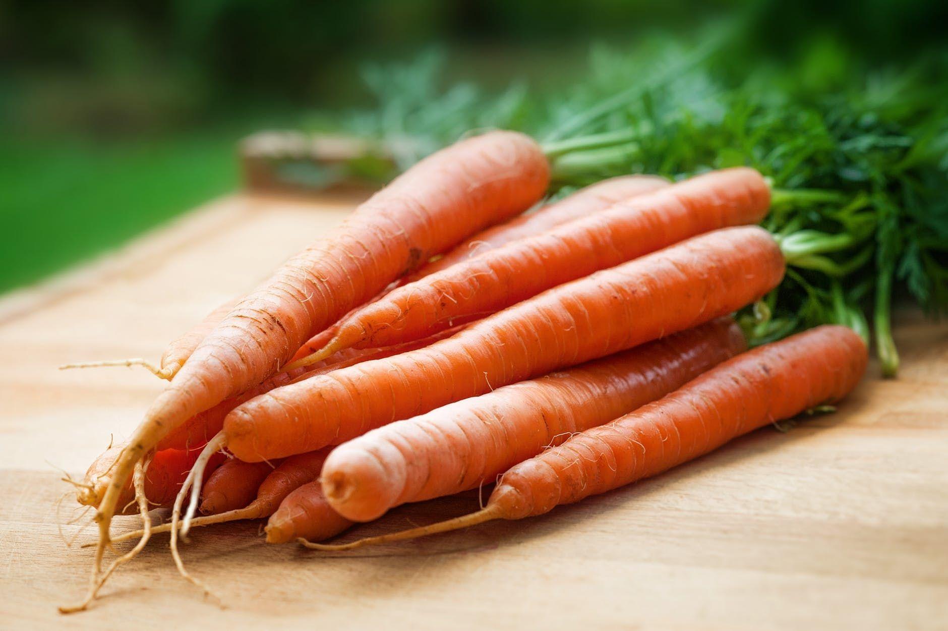 7 Makanan yang Bisa Bikin Kulit Wajah Makin Cerah