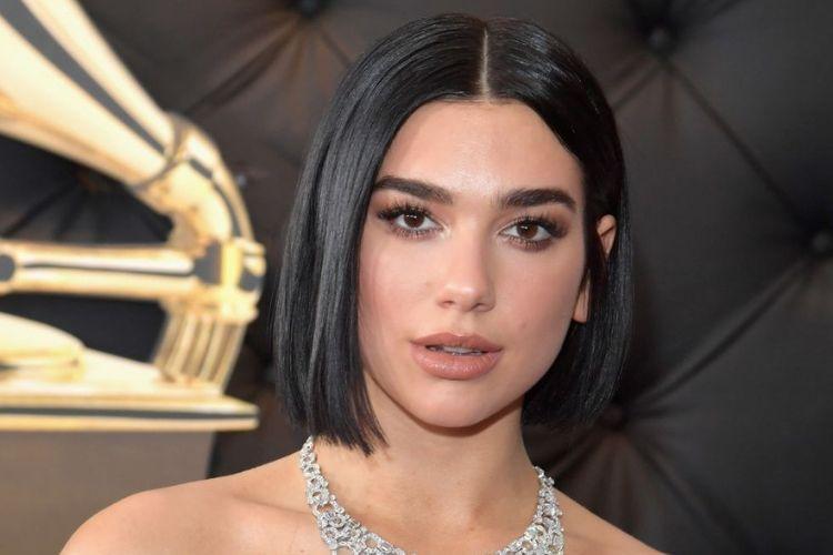 10 Gaya Makeup Pencuri Perhatian di Grammy Awards 2019