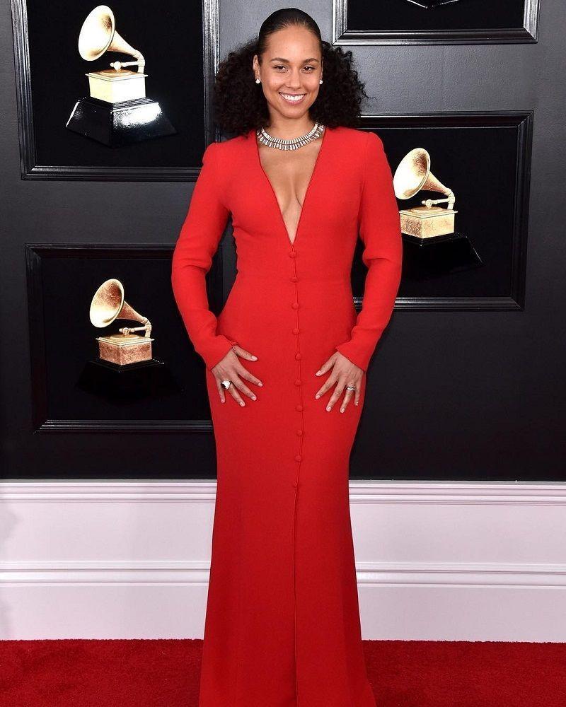 14 Busana Paling Statement di Karpet Merah Grammy Awards 2019