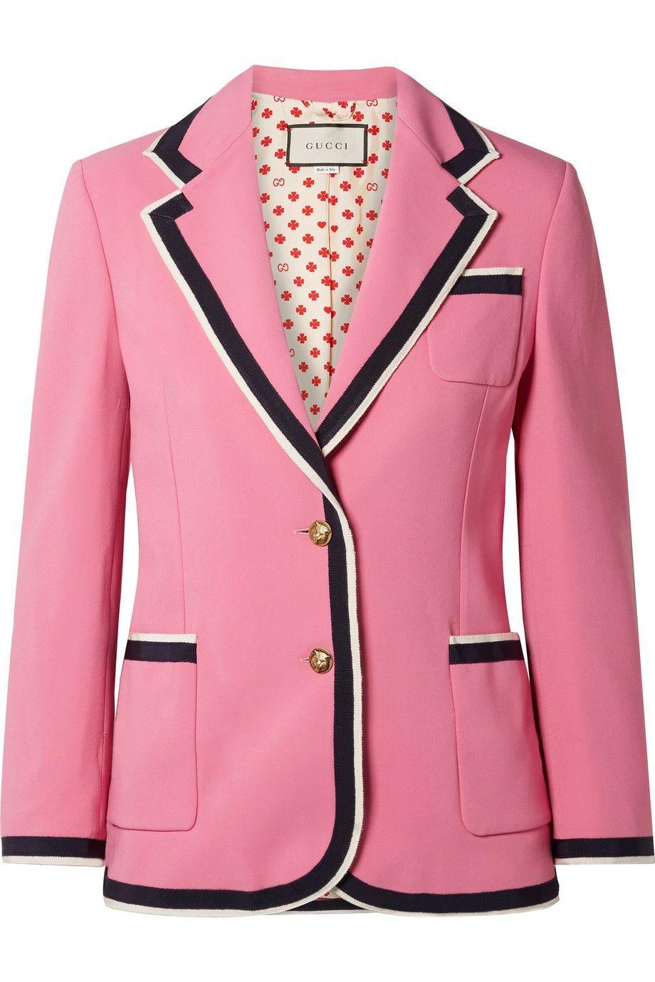 Manis dengan Nuansa Pink Saat Valentine, Coba Kenakan Busana Ini Yuk