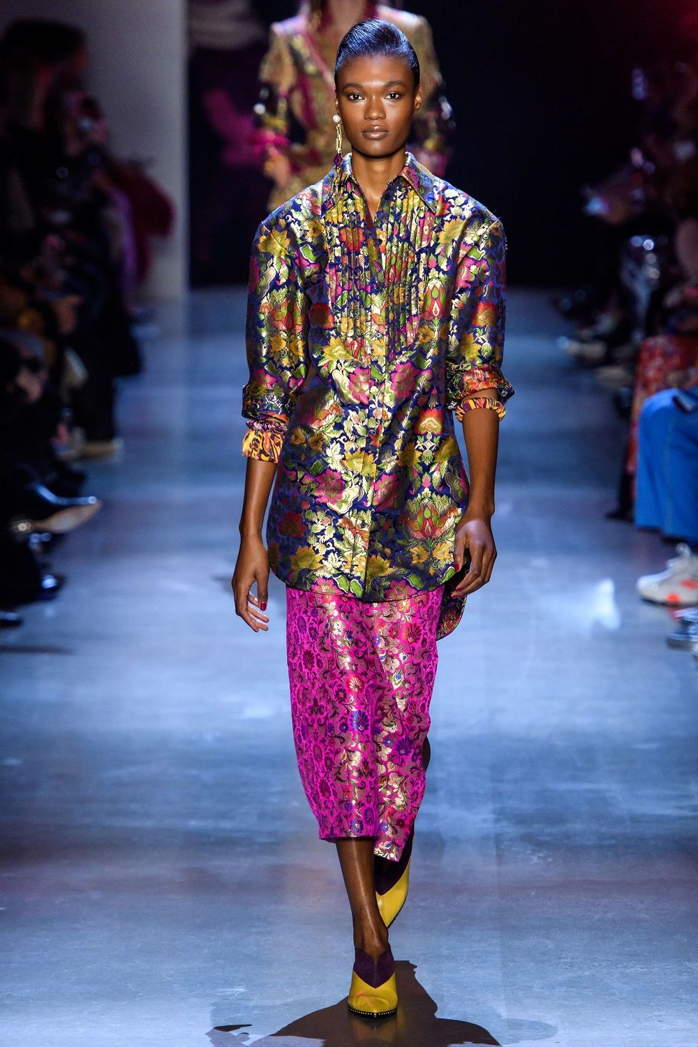 Floral Power! Motif Manis Ini Ramaikan Panggung New York Fashion Week