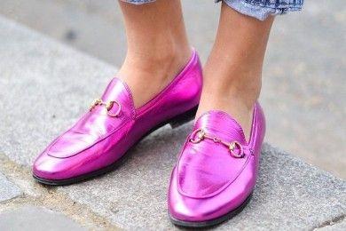 Praktis! Atasi Bau Sepatu dengan 4 Cara Ini