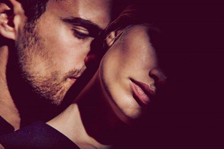 Bangun Gairah Seksual Sebelum Bercinta dengan 10 Tipe Foreplay Ini