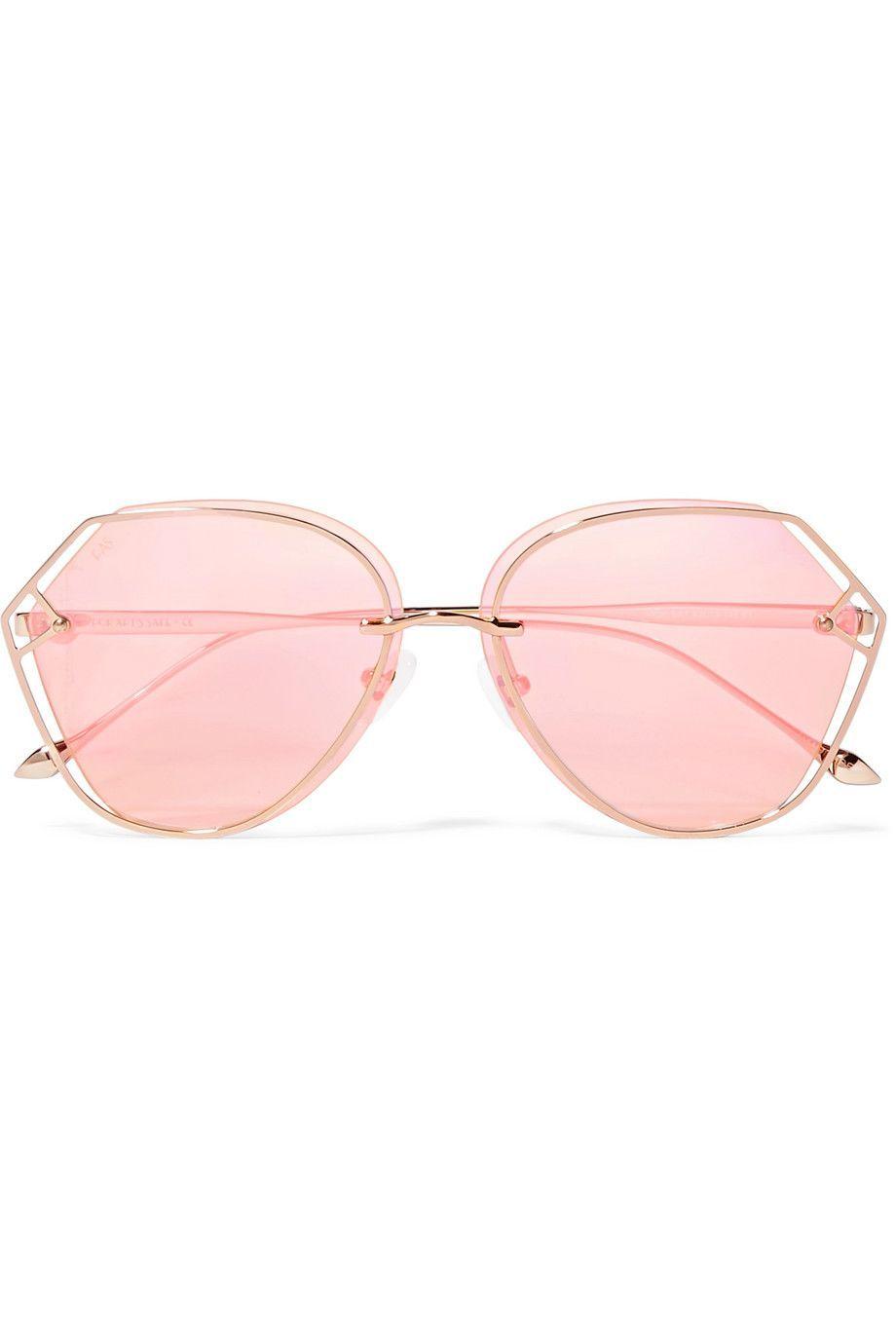 Permanis Penampilanmu dengan 6 Model Kacamata Ini