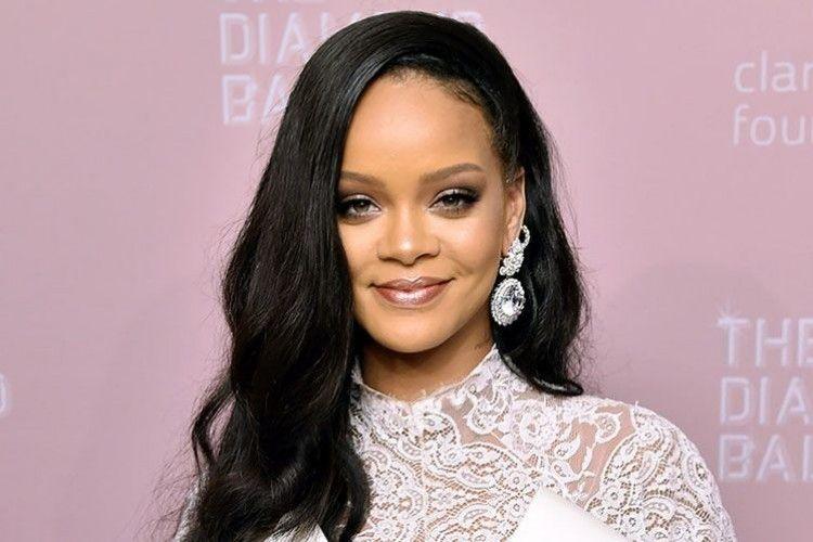 7 Quotes dari Rihanna tentang Pentingnya Mencintai Diri Sendiri