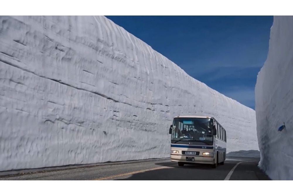 10 Foto Tateyama Kurobe, Jalanan Paling Bersalju di Jepang