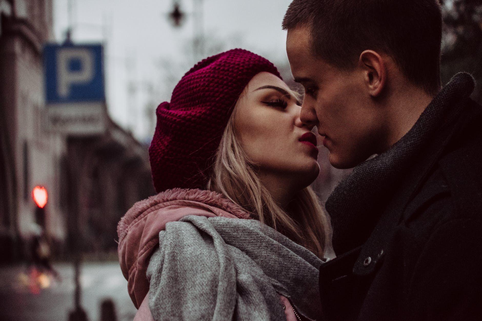 Seperti Apa Sih Ciuman yang Baik Itu? Para Ahli Beberkan Kriterianya