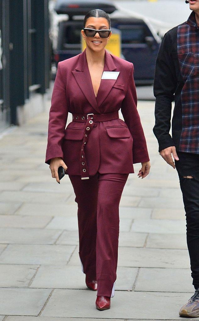 Kourtney Kardashian Foto Telanjang! Intip Juga Gayanya yang Seksi