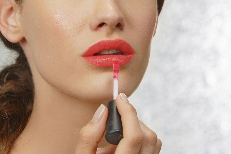 7 Rekomendasi Lip Gloss yang Harus Kamu Coba