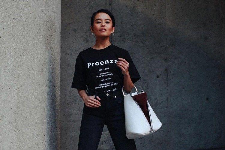 Tampil Sekeren Street Style Star di Hari Sabtu, Pakai 5 Busana Ini Yuk