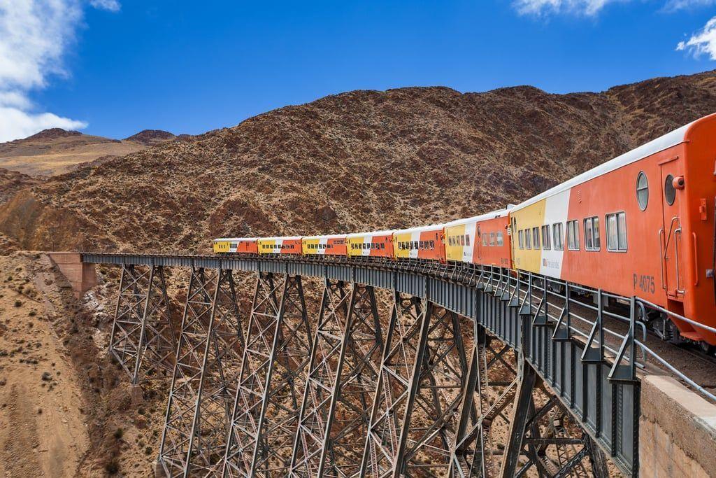Perjalanan Kereta Api Menakjubkan di Dunia Ini Harus Kamu Coba