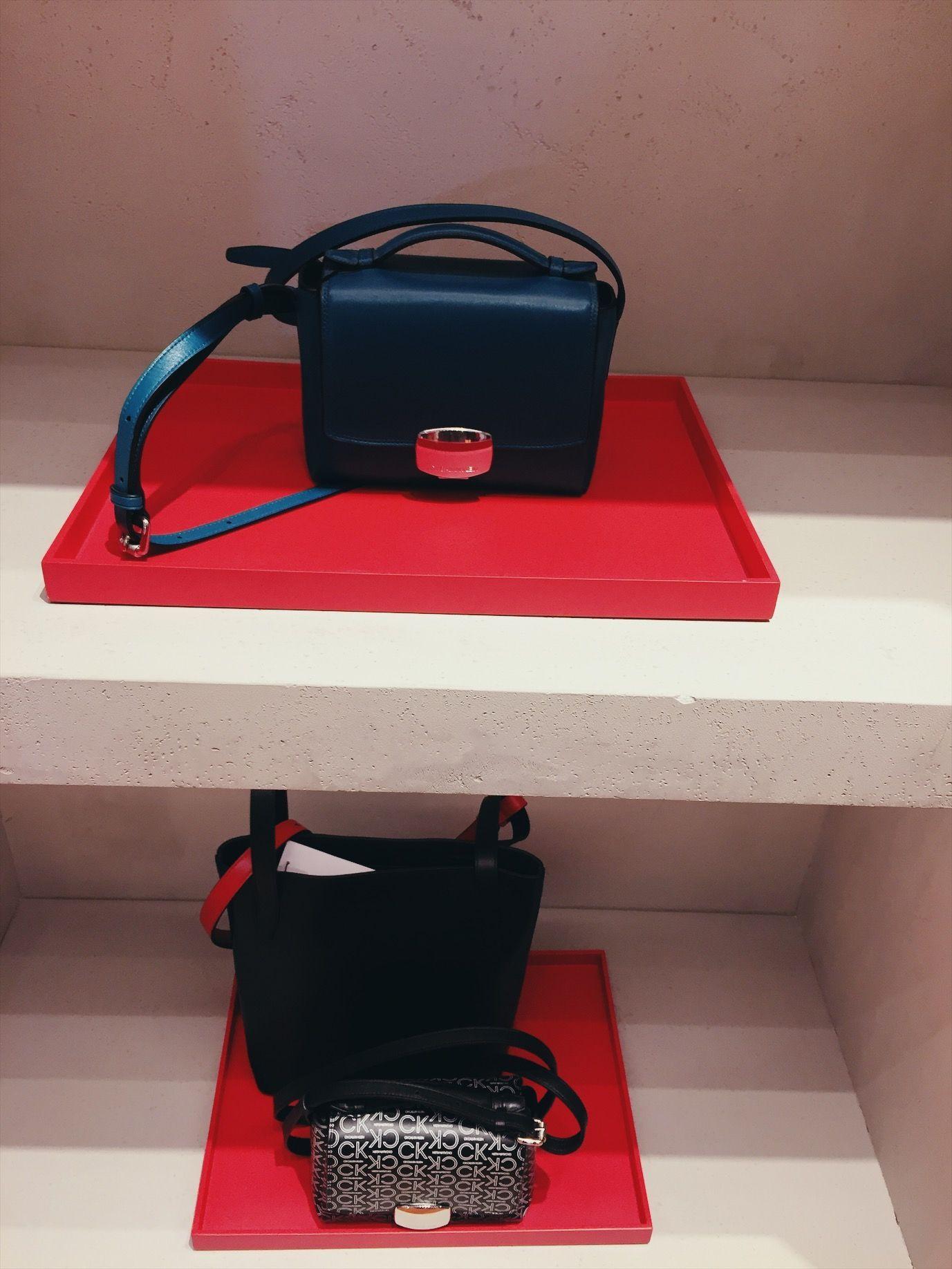 Gaya Minimalis di Butik CK Calvin Klein Plaza Senayan