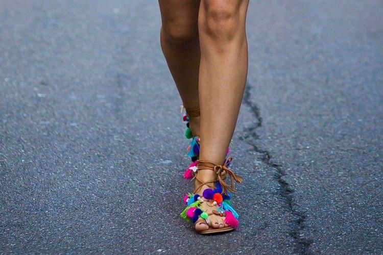 7 Sandal Kece yang Bisa Diandalkan untuk Pergi Santai