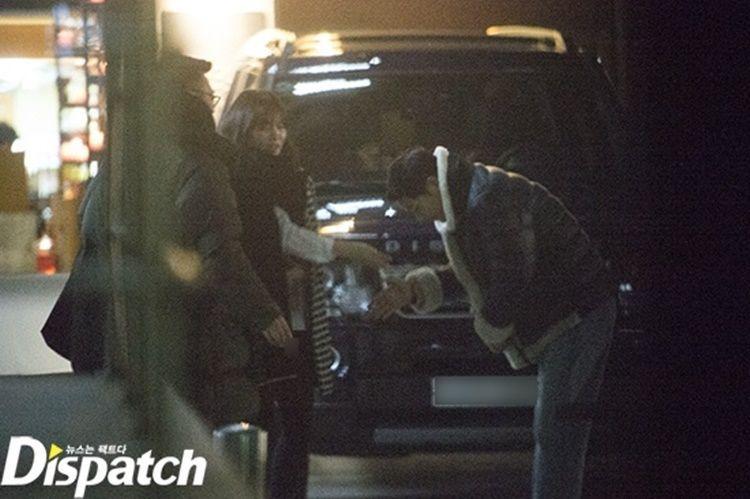 Terungkap! Ini 7 Foto Kencan Rahasia Song Joong Ki dan Song Hye Kyo