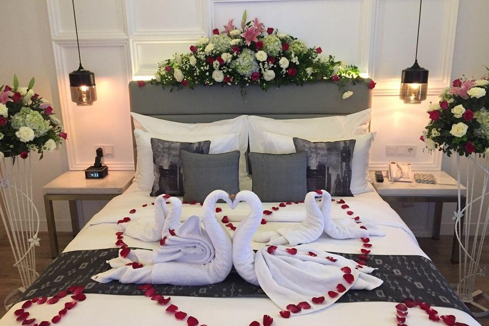 Romantis dan Mewah, Ini Keunikan Menikah di Harris Vertu Hotel
