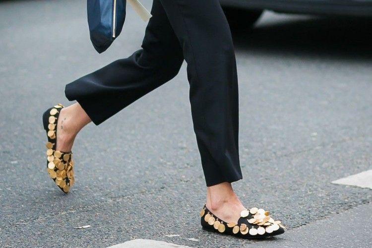 Ini Lho 5 Flat Shoes Kece yang Bisa Kamu Pakai untuk ke Kantor