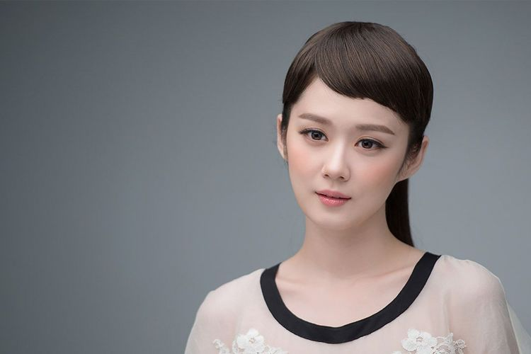 7 Artis Korea yang Berani Cerita tentang Kisah Patah Hatinya