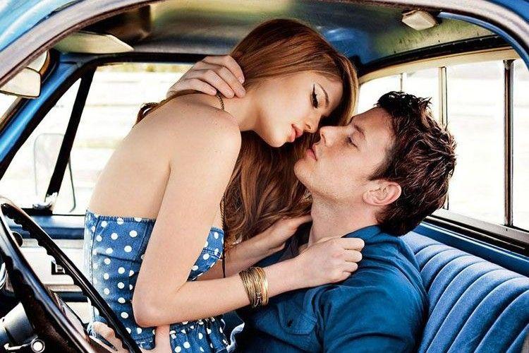 Semakin Asyik, Inilah Cara Hidupkan Gairah Seks di Dalam Mobil