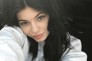 Unggah Selfie Tanpa Makeup, 7 Seleb Hollywood Ini Tetap Percaya Diri