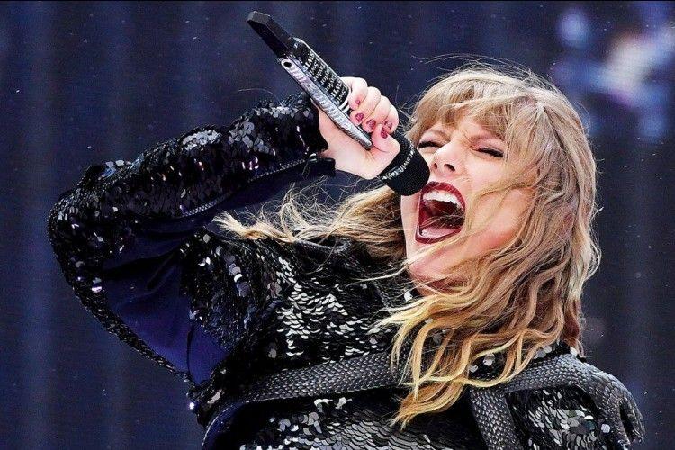 8 Lagu Terbaik Milik Taylor Swift yang Cocok Temani Akhir Pekanmu