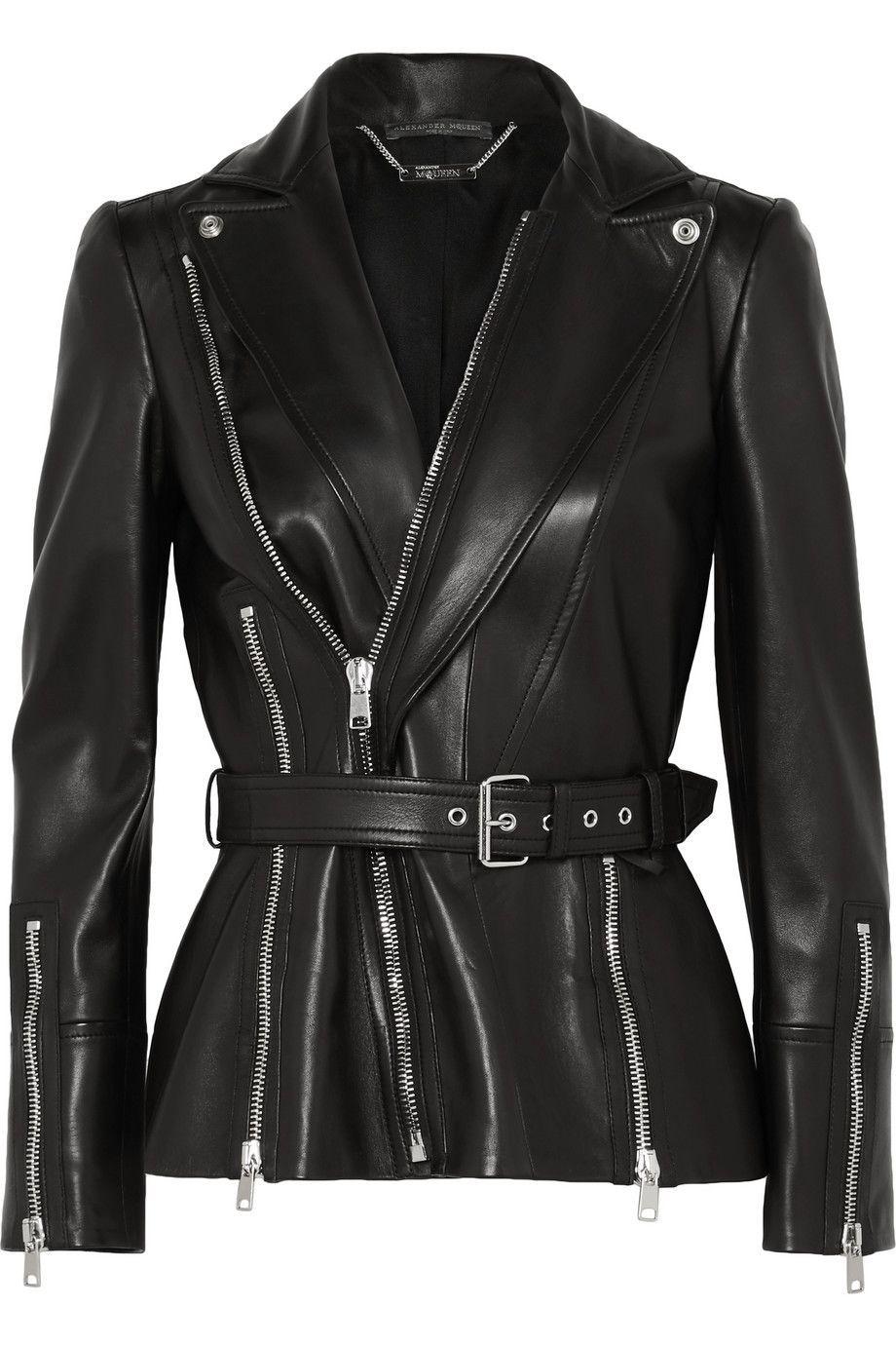 #PopbelaOOTD: Saatnya Invest ke Jaket Kulit!