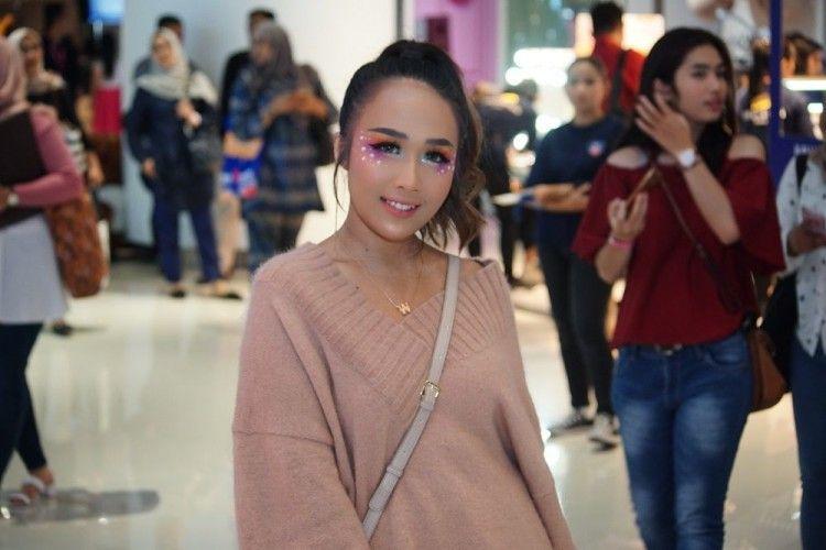 #BFA2019: Datang ke BeautyFest Asia, Minyo Merias Wajah dari Subuh!