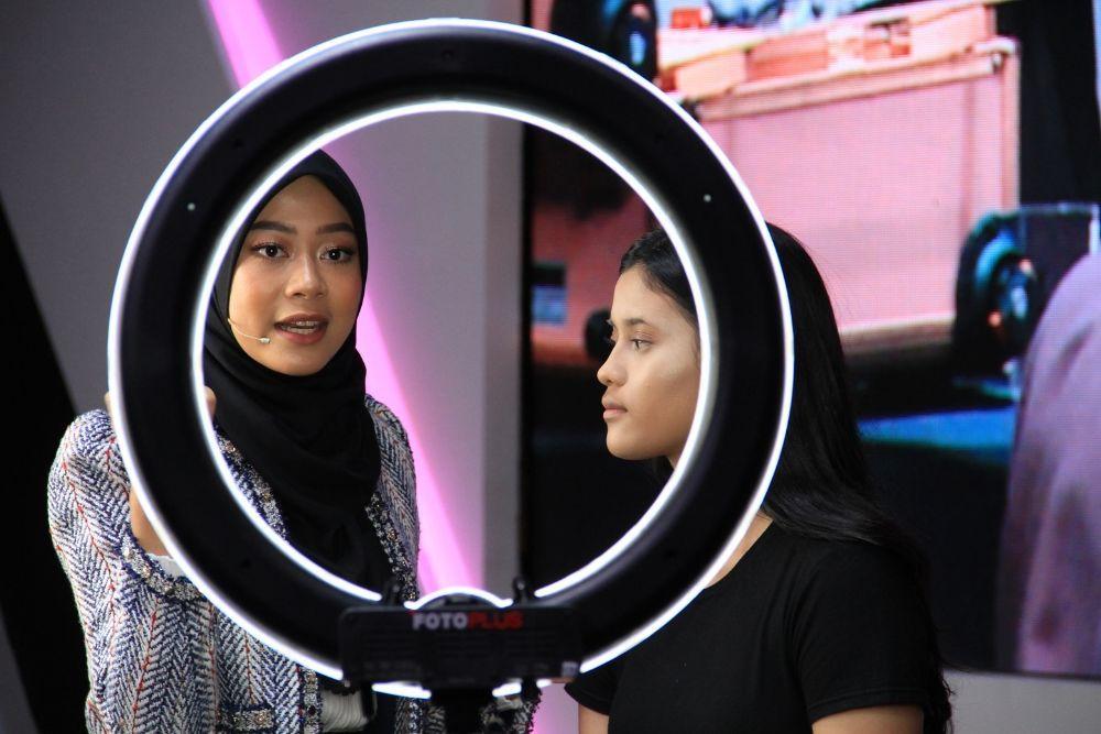 #BFA2019: Tips Glowy Bronzey Make Up Look A La Arsya Nafisa