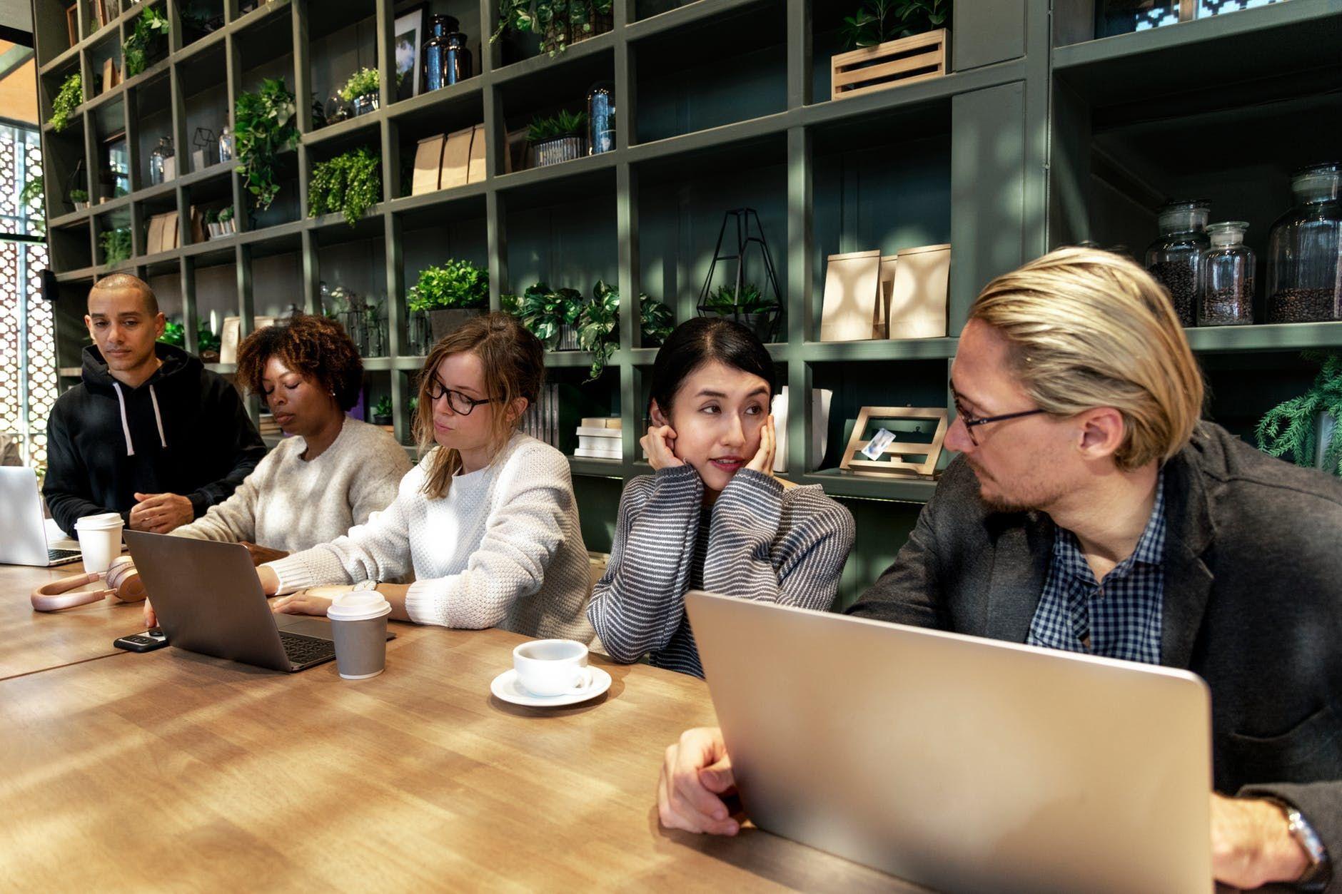 5 Faktor di Kantor yang Bisa Membuatmu Kurang Produktif Bekerja