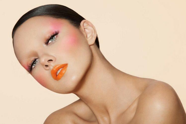 Ini 7 Penyebab Bibir Kering yang Harus Kamu Hindari