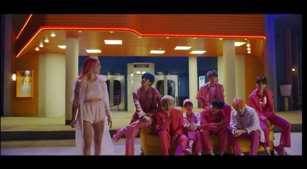 Intip Yuk Teaser Pertama Kolaborasi BTS dan Halsey yang Serba Pink
