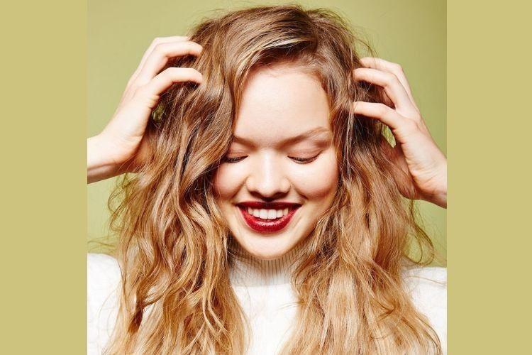 Nggak Nyangka, 7 Hal Ini Bisa Menyebabkan Kerontokan Rambut