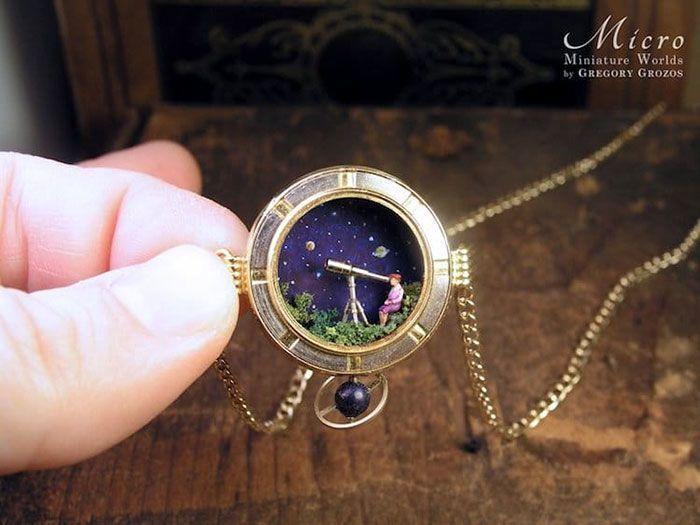 Seniman Satu Ini Sukses Menyulap Jam Jadi 10 Miniature yang Keren Abis