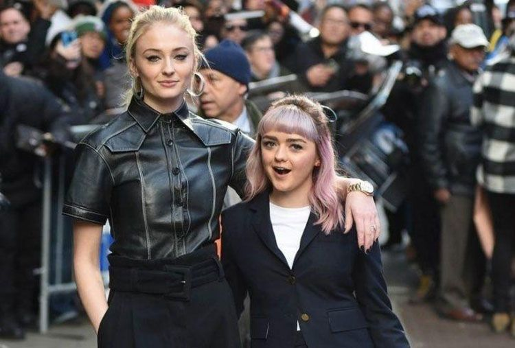 Persahabatan Maisie Williams dan Sophie Turner di Luar Game of Thrones