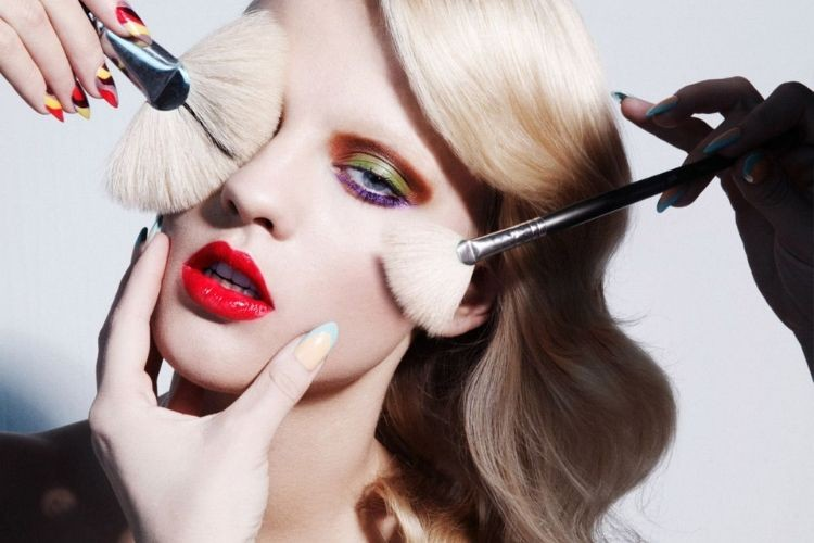 Ini yang Terjadi Pada Kulitmu Kalau Menggunakan Makeup Kedaluwarsa
