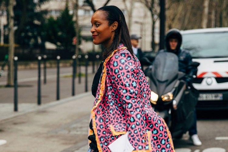 #PopbelaOOTD: Mencoba Ceria dengan Jaket Motif Playful