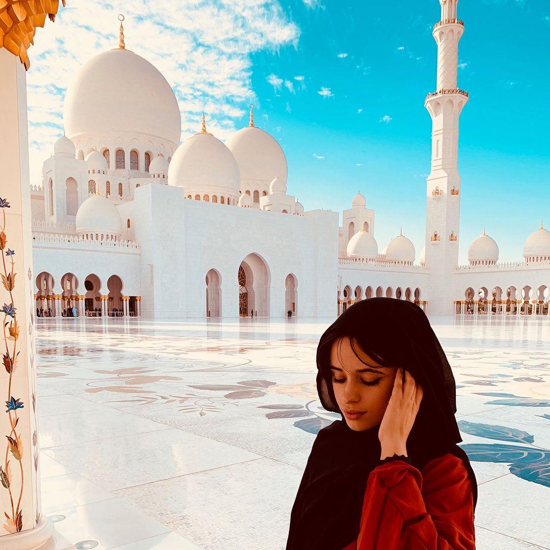 Terjun ke Dunia Akting, Camila Cabello Siap Perankan Cinderella