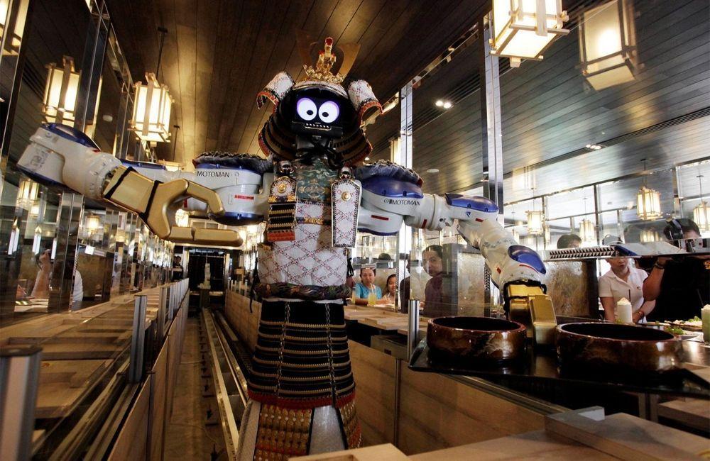 7 Restoran Ini Layani Konsumen Pakai Robot Pelayan