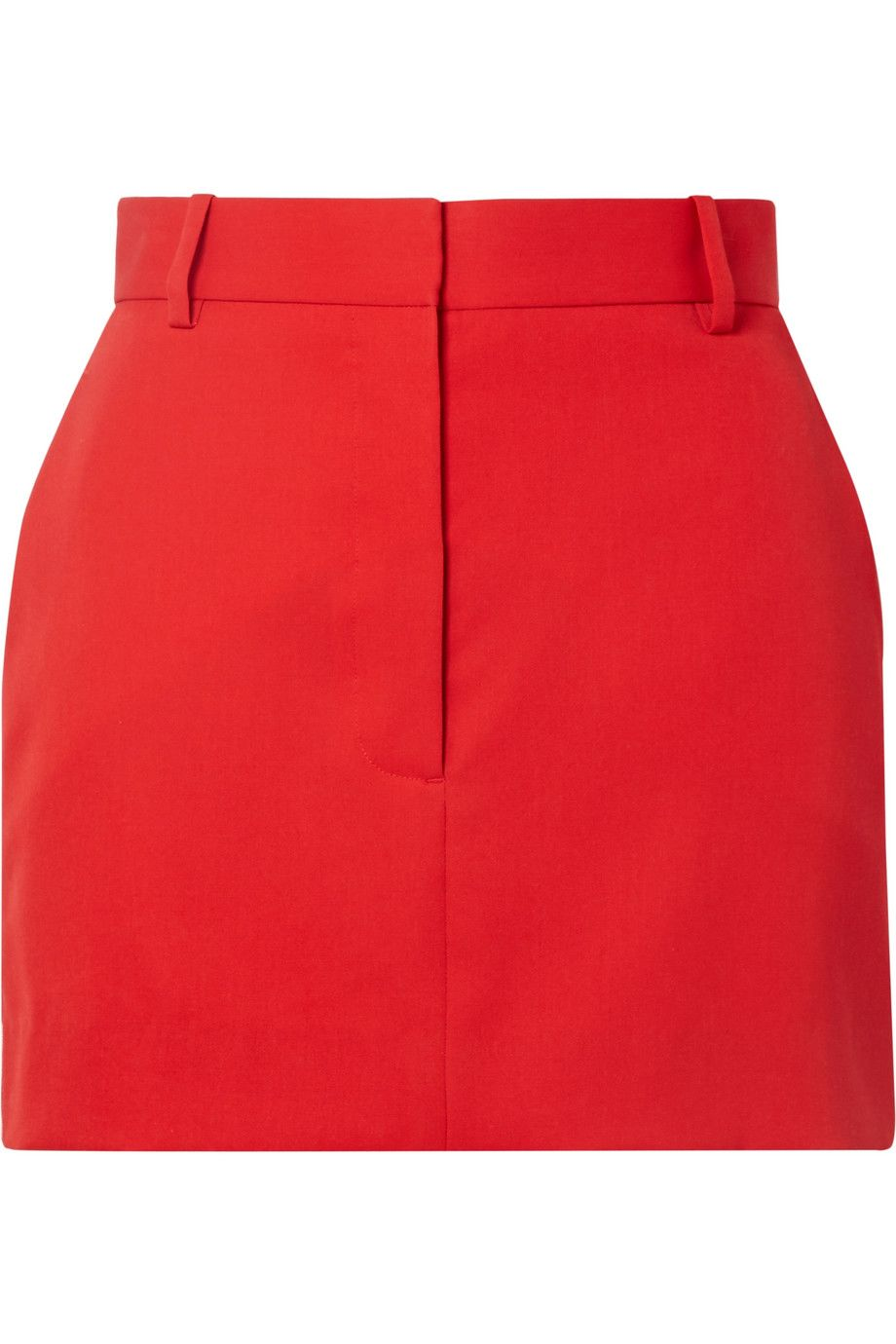 #PopbelaOOTD: Berburu Fashion Item Warna Merah untuk OOTD yang Bold