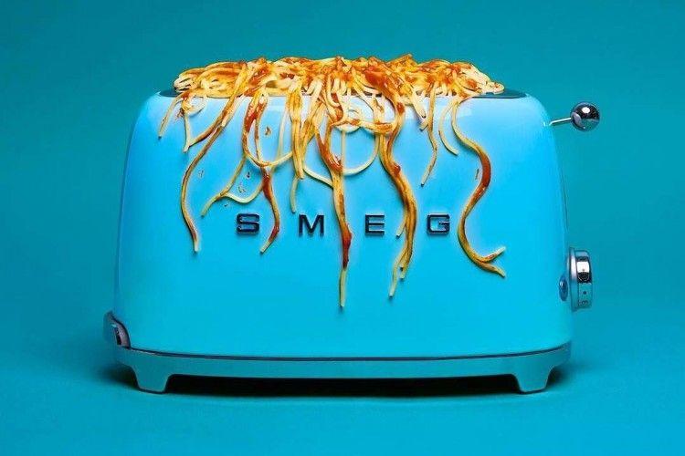 Seniman Ini Bikin Karya Seni yang Bikin Kita Males MakanSpageti