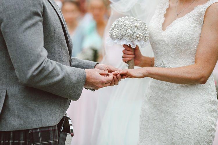 Arti Mimpi Melihat Orang Menikah, Pertanda Baik atau Buruk?