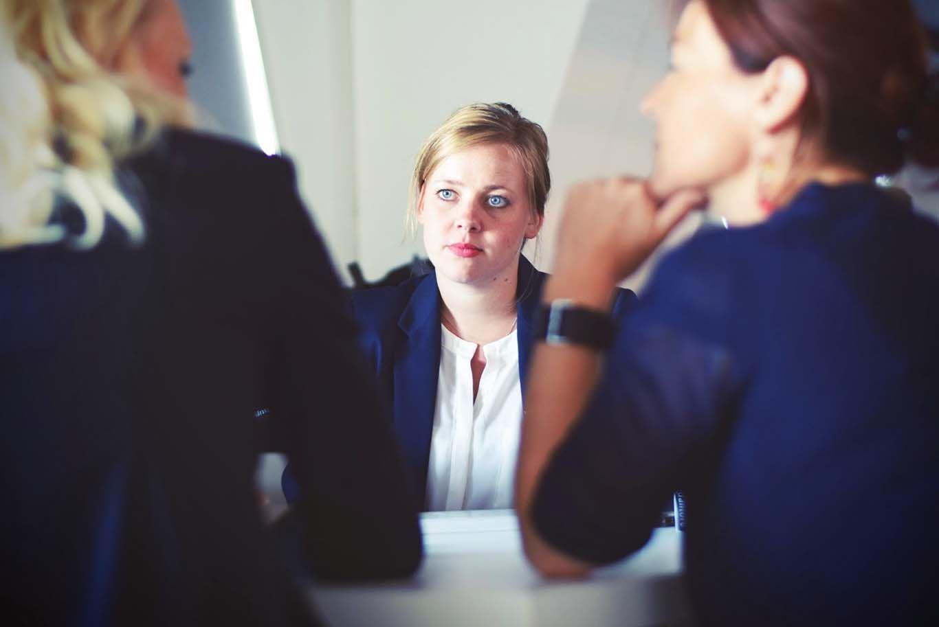 5 Cara Mengatasi Rasa Gugup Sebelum Interview Kerja