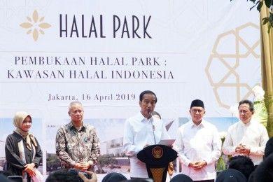 Presiden Joko Widodo Resmikan Halal Park di GBK