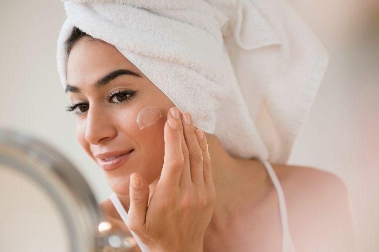 Nggak Nyangka, 5 Tips Kecantikan Ini Justru Bikin Wajah Jadi Breakout