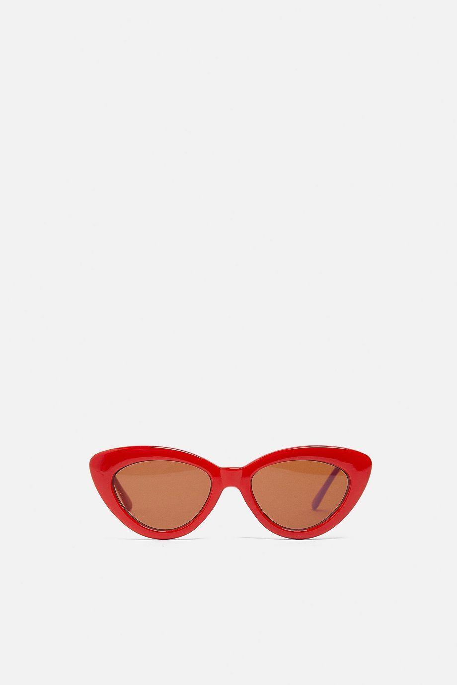 7 Kacamata Colorful untuk Dibawa Berlibur Musim Panas