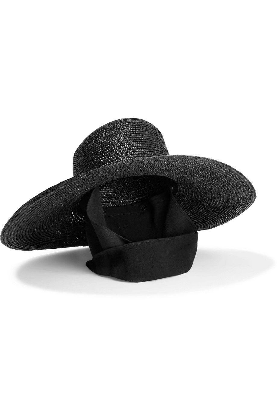 #PopbelaOOTD: Topi Pantai buat Kamu yang Besok Mau Liburan