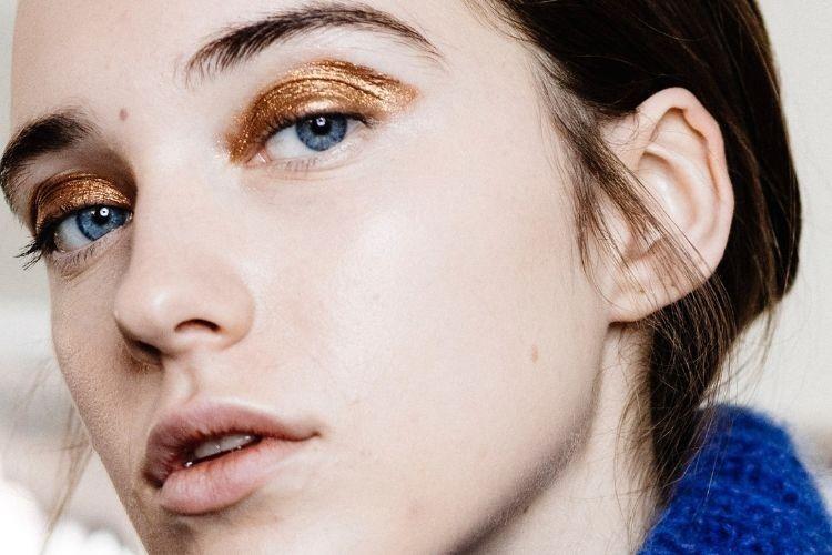 3 Cara Mengaplikasikan Liquid Eyeshadow untuk Riasan Mata yang Cantik