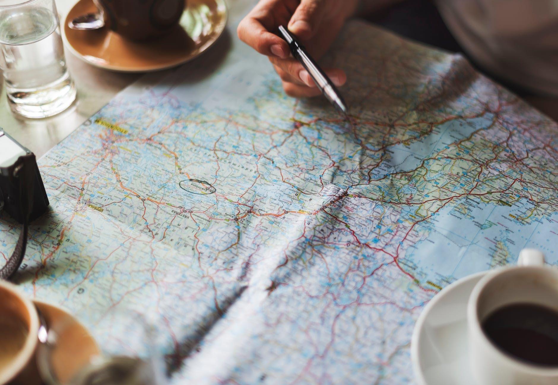 Nikmati Waktu Berdua, Ini Tips Traveling Hemat dengan Pasangan